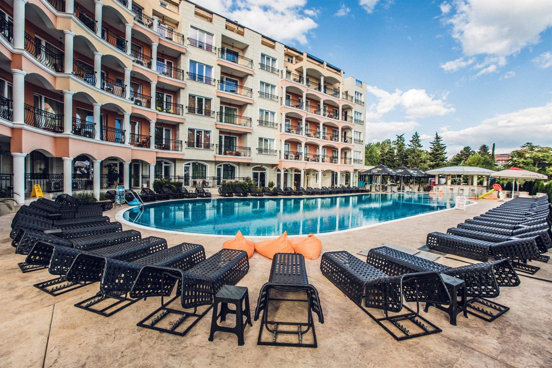 APART HOTEL AVENUE DELUXE 3